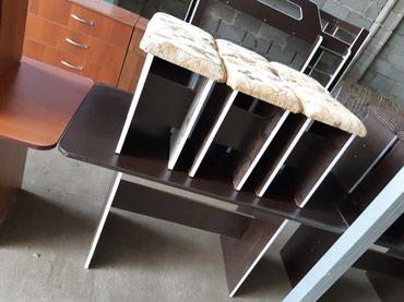 Продаю новый стол с 6 табуретками в Лебединовка
