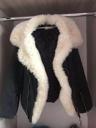Модная курточка в хорошем состоянии.  г.Кара-Балта Звонить по номеру