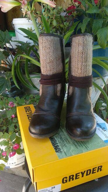 chasy-ot-emporio-armani в Кыргызстан: Все обуви носила где- то4-5 раз почти новые,произв.Германия, Турция