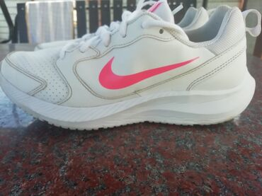 Nike todos ORIGINAL OcuvaneSlabo noseneVelicina 4025,5 cm duzina