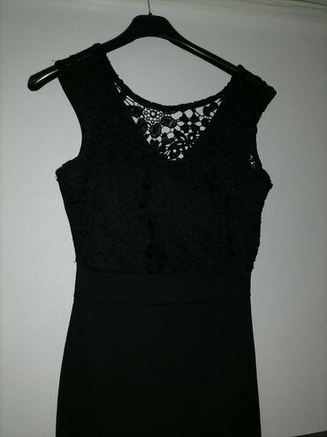 Mala crna cipkana haljina