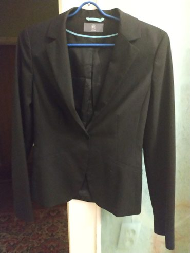Продаю жакет черный , шерстяной в Бишкек