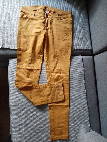 Zenske pantalone, velicina 38, u dobrom stanju. Pogledajte moje ostale
