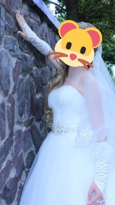 Свадебные платья и аксессуары - Кыргызстан: Свадебное платье размер 42-44. корсет