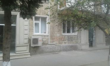 Sumqayitda 29cu mehelle ev obyekt kimi satilir 3otaq 1ci mertebe в Bakı