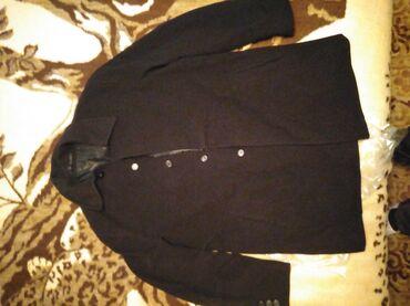 Na prodaju muški kaput od fine čoje, tri puta nošen, bez oštećenja. Br