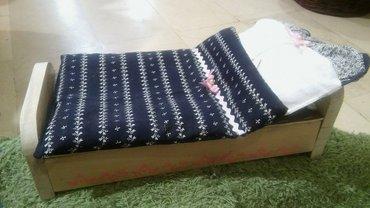 Krevet za lutke drveni, sa posteljinom (pamuk). Uradjen dekupaz. - Kikinda