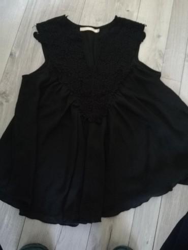 Crna bluza sdugim rukaviz italij - Srbija: Bluza m- l velicima,moze i xl. crna sa cipkom. slabo Modena, bez