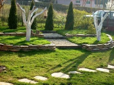   Barajevo: Kosenje i uredjivanje vrtova postavka vestacke busen trave sadjenje