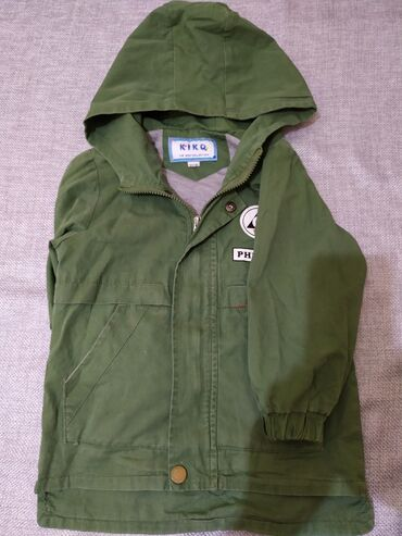 Куртка весна-осень х/б,подклад х/б,капюшон, карманы,цвет зелёный,рост