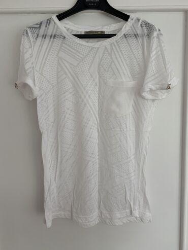 Majica je od skupog brenda Patrizia Pepe, u S veličini, prijatna