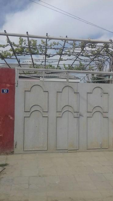 Bakı şəhərində Bineqedi qesebesinin Sentralni adi ile bilinen merkezine ve Memar