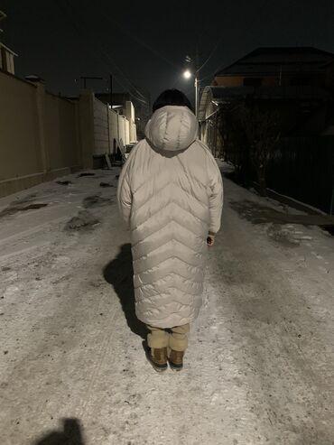 Продаю куртку одевала один раз размер стандарт длинная тёплая