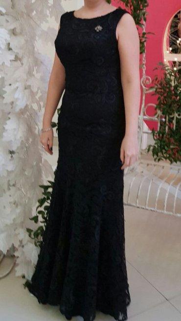 Bakı şəhərində Продается платье гипюр 40 размер.черного цвета.фото со спины