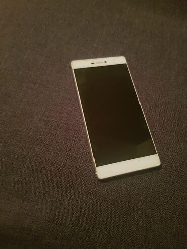 Huawei ets 878 - Srbija: Huawei P8, odličan mobilni telefon originalne oznake GRA-LO9. Kao nov