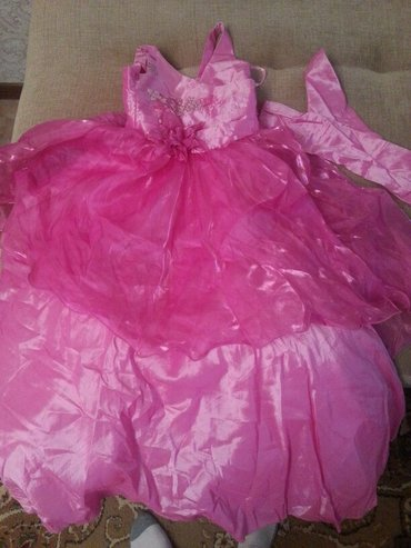 Платье в пол на7-8лет, с перчатками. в Кант
