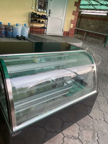 Холодильники - Кыргызстан: Новый Холодильник-витрина Черный холодильник
