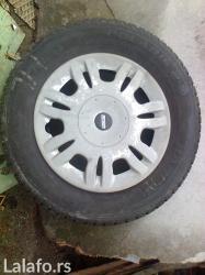 Prodajem zimsku gumu barum-polaris 2-dimen. 185/70 r 14 u jako dobrom - Kragujevac