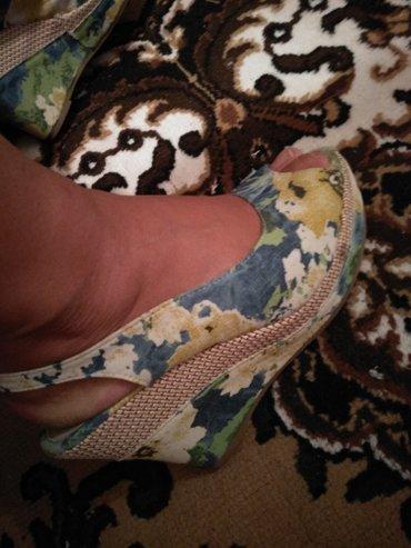 Женская обувь в Каракол: Продаю 37 размер. покупала в Москве, носила 1 раз. КАРАКОЛ
