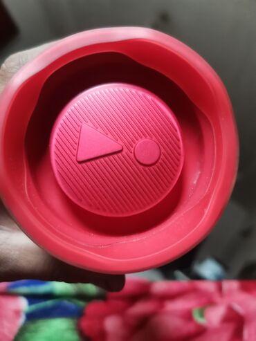 кот саванна купить в Кыргызстан: Продаются калонка оригиналь. JBL коробка есть я купил 3 месяц назад за