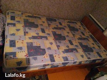 Двухспальная кровать с почти новым в Бишкек