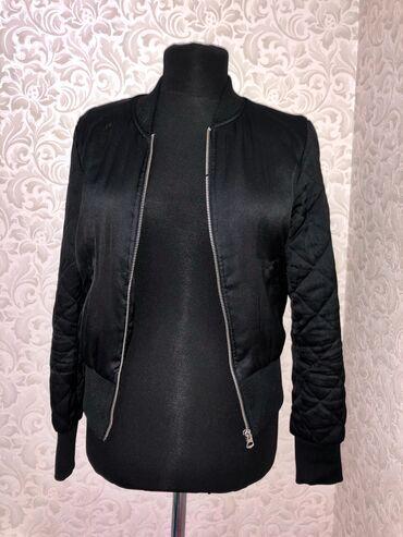 s mjagkij mebel в Кыргызстан: Классный бомбер от H&M. Размер S-Xs,   тёплое пальто. Размер L