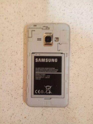 Samsung galaxy j1 - Азербайджан: Б/у Samsung Galaxy J1 2016 8 ГБ Золотой