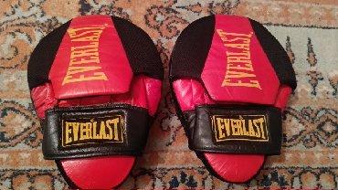 Перчатки в Кыргызстан: Лапы для тренировок В хорошем состоянии Пользовались недолго