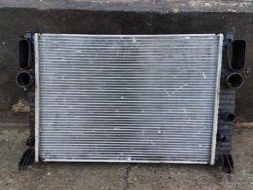 мотор 2 7 cdi mercedes в Кыргызстан: Продаю радиатор mercedes w211 cdi 2.7