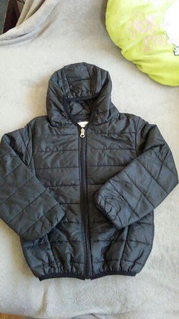 Tanja jaknica za visinu do 120cm.Jaknicu je moje dete obuklo svega 2