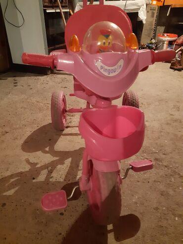 Sport i hobi - Loznica: Tricikl muzički za devojčice guralica,slabo koristeno,ima i trendu