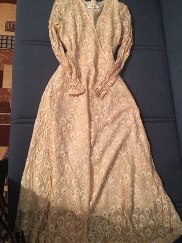 Беж платье одевала всего один раз, брала за 3000 отдам за 1000