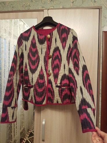 НОВАЯ!!! теплый пиджак размер М 900сом в Бишкек