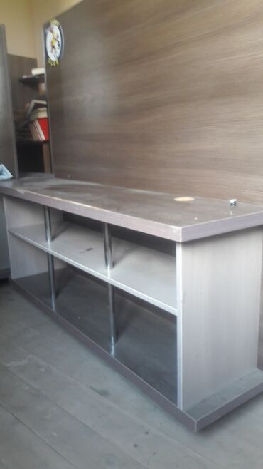 11 объявлений: Продам компьютерные столы и столы под телевизоры для Сони плестейшн