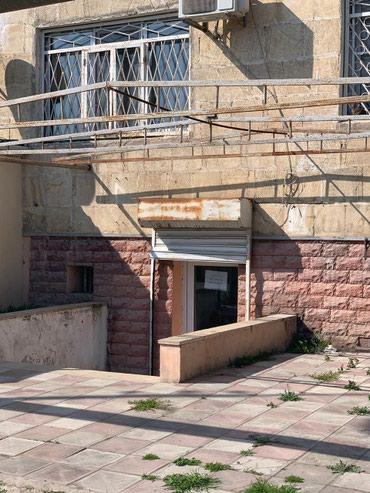 Bakı şəhərində Xəzər rayonu Mərdəkan qəsəbəsi,İsmayılov küçəsi.Orta