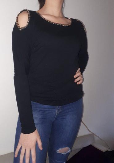 Prelepa zenska bluzica velicine M, sa otvorenim ramenima, metalni - Kraljevo
