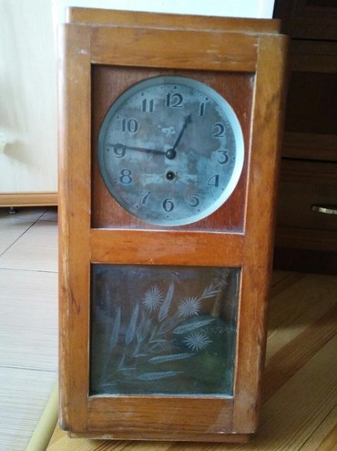 Антикварные часы - Азербайджан: Qədim divar saatı işlək vıziyyətdədi