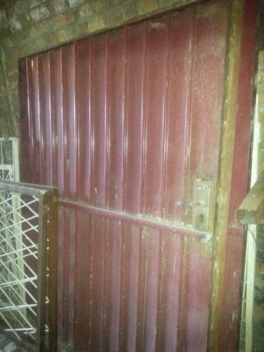 ворота на гараж в Кыргызстан: Ворота метталлические для гаража, б /у- 2 шт. Высота 1м90, ширина - 1м