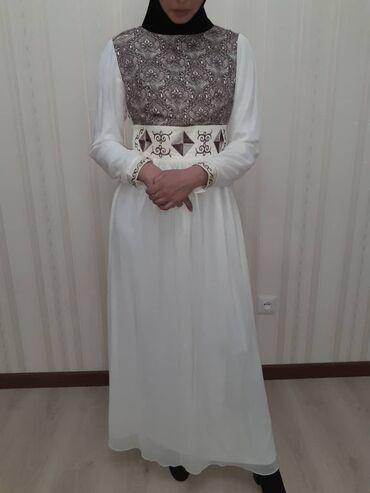 Национальное платье, на кыз узатуу, брали дорого цвет айвори, очень
