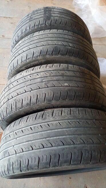 диски на авто 17 в Кыргызстан: Шины комплект лето 215/55R17. Покупал новым. Автошины, колеса, 17'