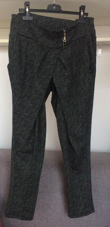 Ženske udobne pantalone na preklop