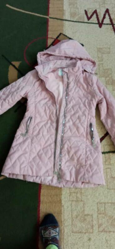 Куртка на девочку 9-10 лет, в отличном состоянии 1000 сом