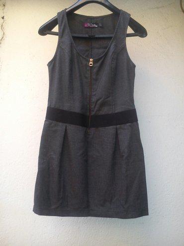 Haljine | Kursumlija: Haljinica jeModerna haljinica sive boje. Jako kvaliternog materijala