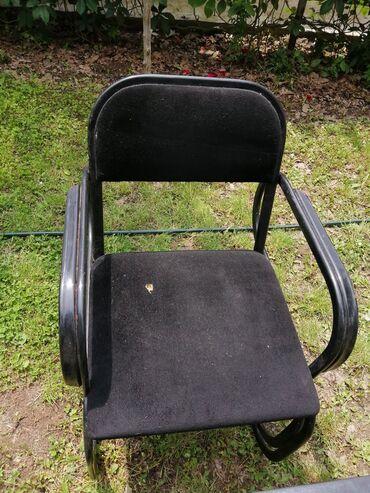 Na prodaju kompjuterski sto sa stolicom moze da sluzi i kao radni