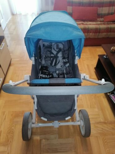 Auto-sediste-za-decu - Srbija: Lorelli kolica od 0-36 Kolica u odlicnom stanju, dva smera sedišta, ve