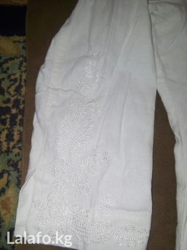 Туника из льна. 46р почти новая. с вышивкой на рукаве,по бокам разрезы в Бишкек