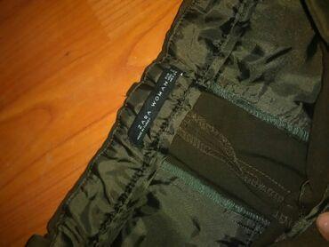 Svecane pantalone - Srbija: Zara maslinasto zelene pantalone sa kosim dzepovima mogu da prodju I