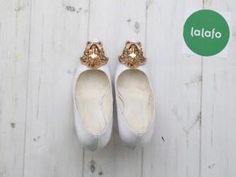 Шикарные женские туфли-лодочки с оригинальным декором от Versace Прибл