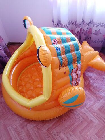 """Другие товары для детей в Сокулук: Продаю детский бассейн """"Рыбку"""" от 1годика!бассейн в очень хорошем сост"""