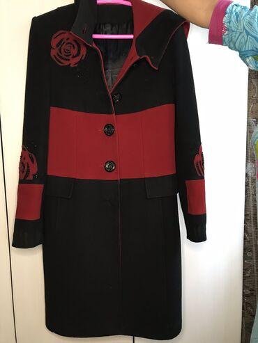 женский пальто в Кыргызстан: Женское пальто 46-48 размер . Качество в хорошем состоянии